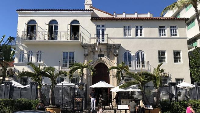 Identification Two Bodies Found In Old Versace Mansion In Miami